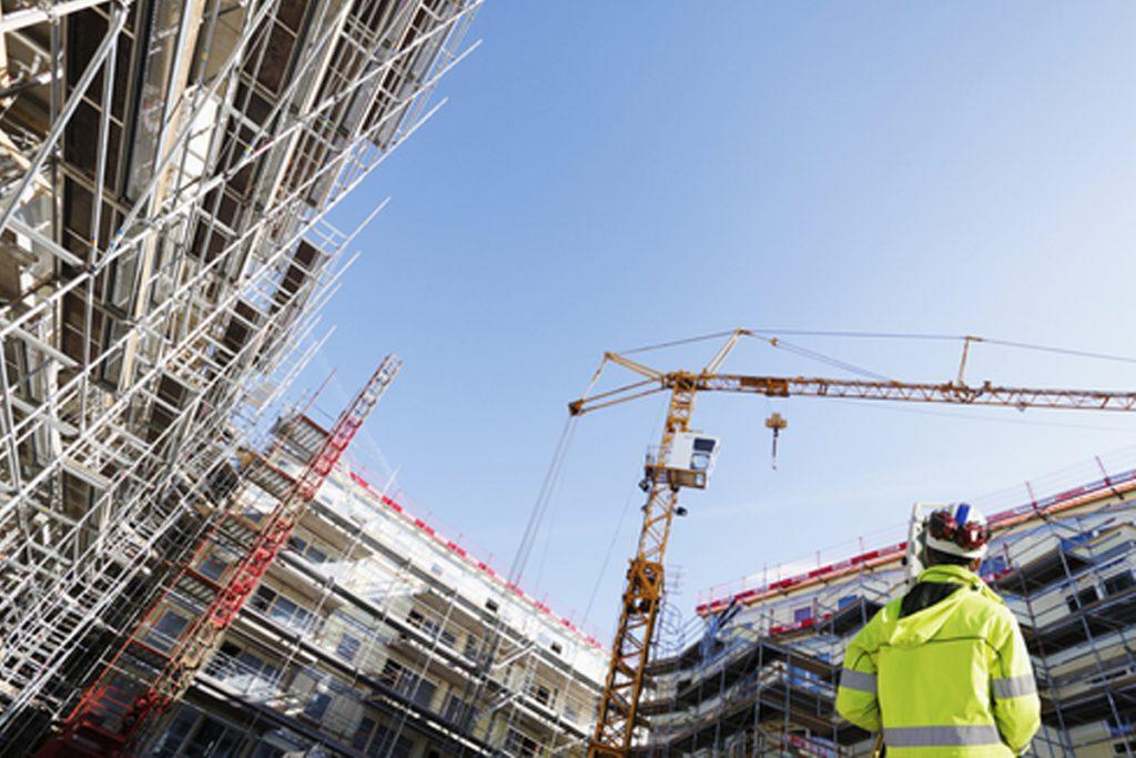 Caen un 22% los visados para edificación en Barcelona