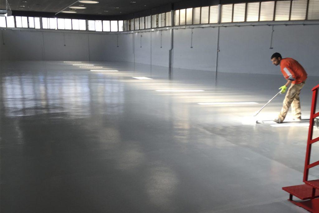 Pavimentos continuos en las nuevas instalaciones de la empresa JJDLUXE CARS